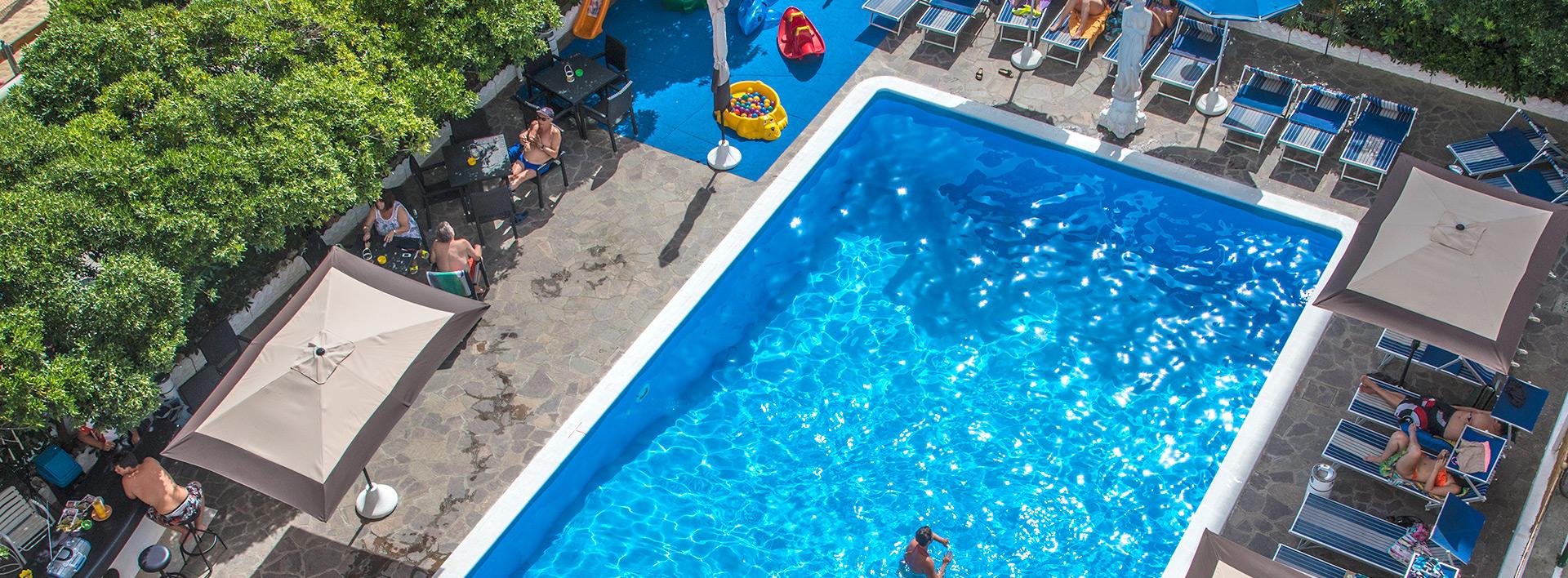 Hotel con Piscina Baia Marina Cattolica